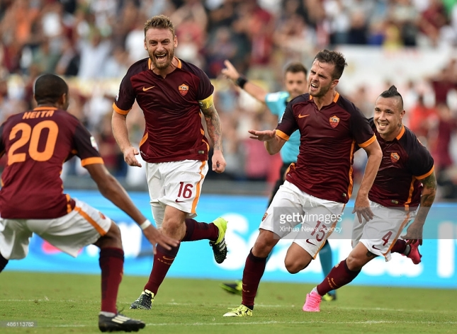 Xinhua News Agency Aug. 31, 2015-- AS Roma's Pjanic (2nd R) celebrates his goal with teammates during their Italian Serie A soccer match against Juventus on August 30, 2015 in Rome, Italy. Rome won 2-1.